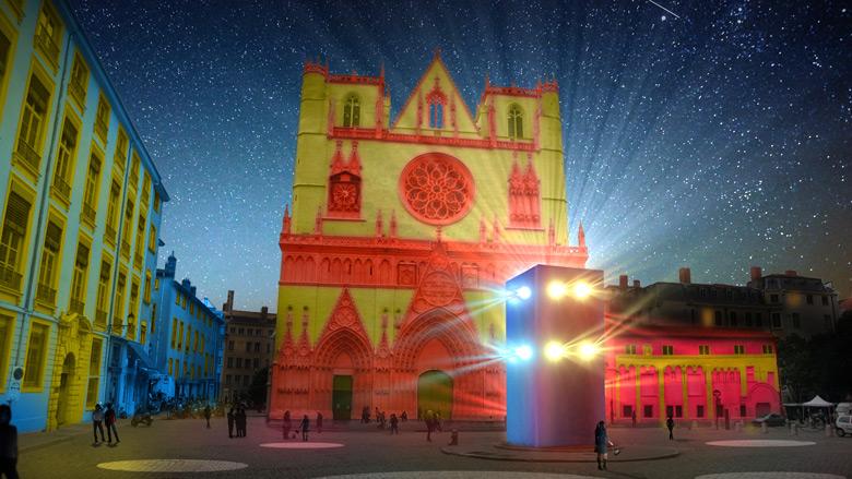 131003-102740-19-place-et-cathedrale-saint-jean-rencontres-3.jpg