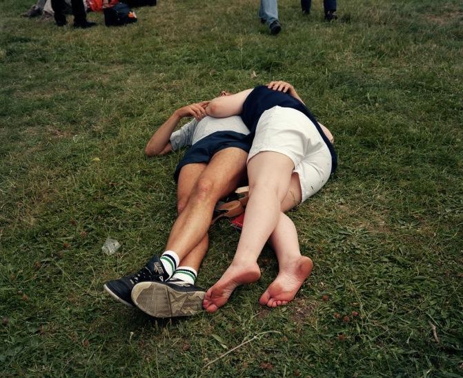 Martin Parr- Couple dans l'herbe
