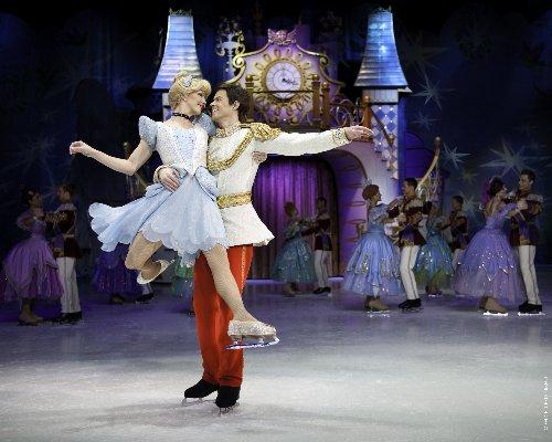 Disney sur glace cendrillon prince