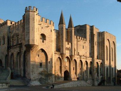 Facade du palais des papes